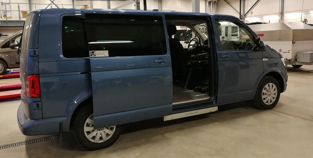 Gulvsenket VW Caravelle lang (Foto: AK Jessen)