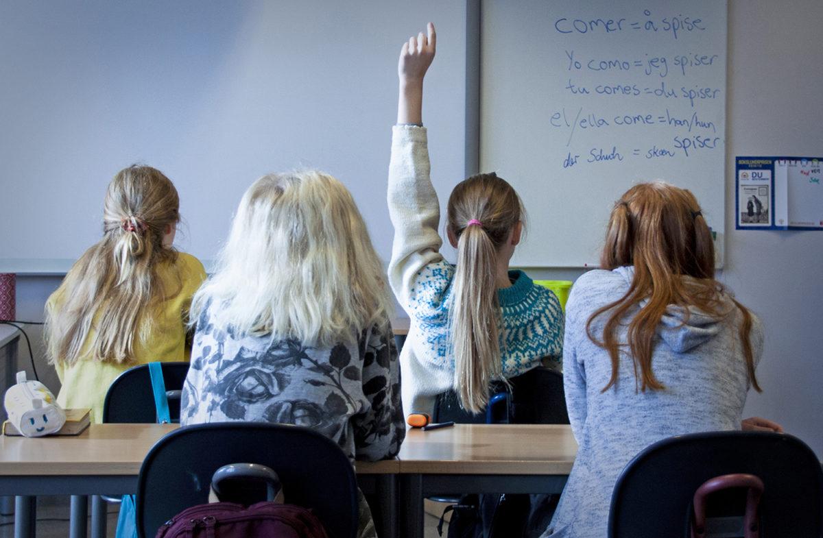 Fire elever i et klasserom
