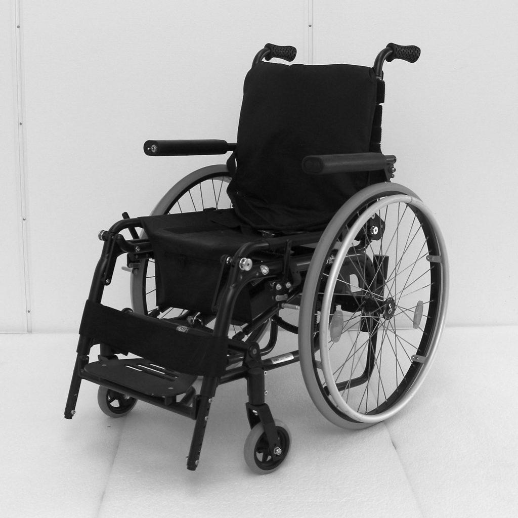 Levo manuell rullestol sittende