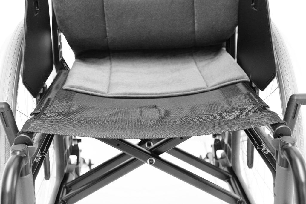 Manuell rullestol med hengekøyesete