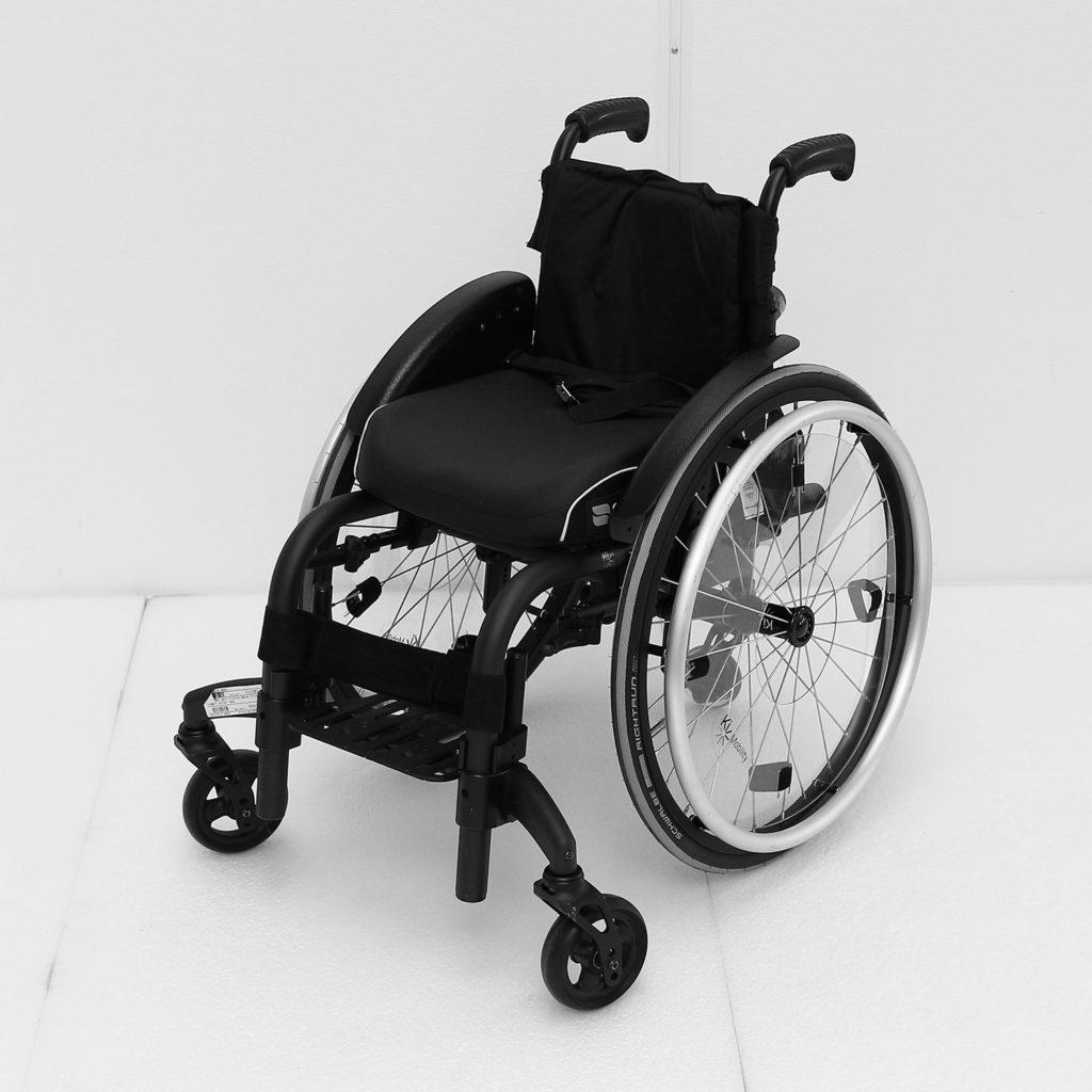 YY manuell rullestol for barn