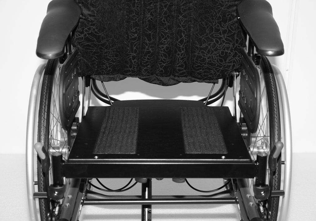 Manuell rullestol med fast seteplate