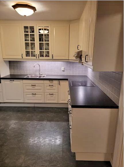 Eksempel kjøkken - hele benkeplaten