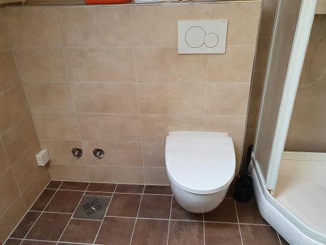 Eksempel toalett vegg - avstandsbilde